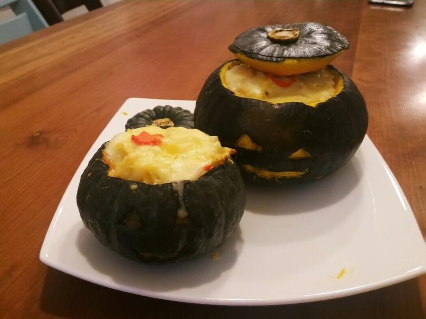 ハロウィン♪まるごとかぼちゃのグラタン