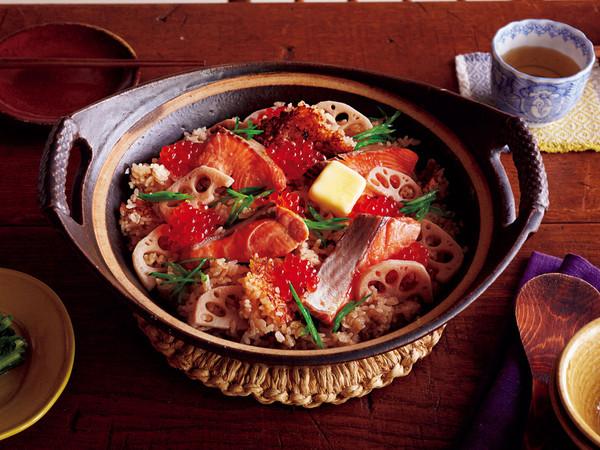 鮭とイクラの土鍋ご飯