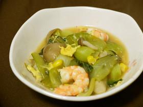 海老と青梗菜としめじの簡単中華スープ炒め