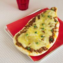 キーマカレーのインド風ピザ