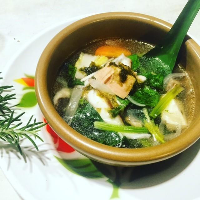 ツナのゲンチュー(タイ風スープ)
