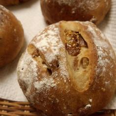 無花果とクルミたっぷりのパン
