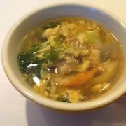 *チンゲン菜と竹輪のふわとろ卵スープ*の写真