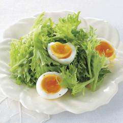 9分ゆで卵のサラダ