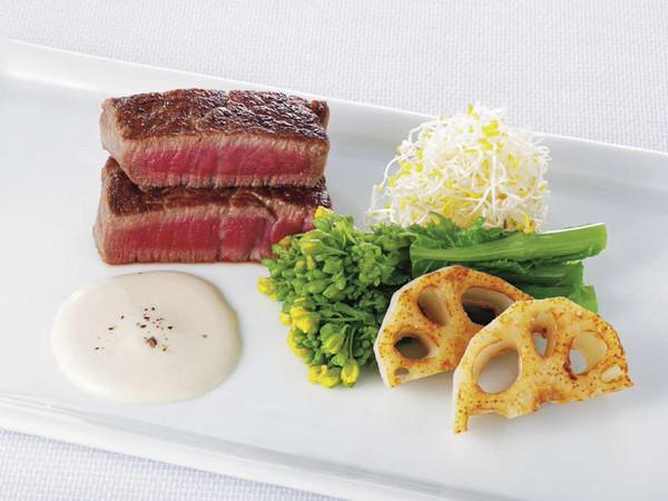 牛肉と菜の花、れんこんのサラダ