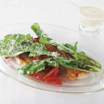 ルッコラとミニトマトのサラダ豚ロースのポワレに添えて