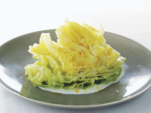 春キャベツの温かいサラダ