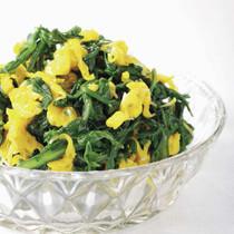 春菊と菊花のおひたしサラダ