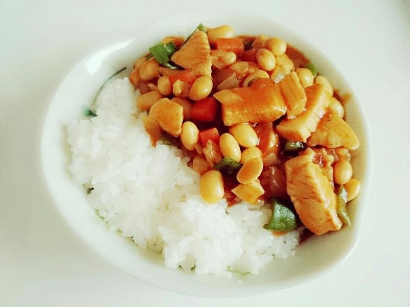 【畑の肉】大豆たっぷりカレー!