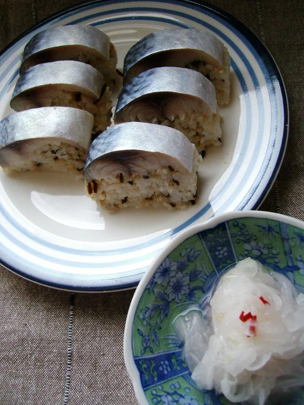 しめ鯖で手抜き鯖寿司風?