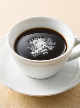 ホットコーヒー with ココナッツ
