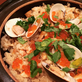 鮭とハマグリの炊き込みご飯〜いくら添え〜