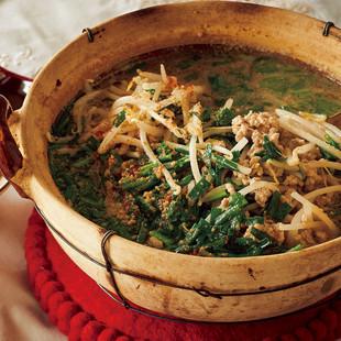ひき肉とにらの担々鍋