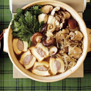鶏、ごぼう、春菊の寄せ鍋