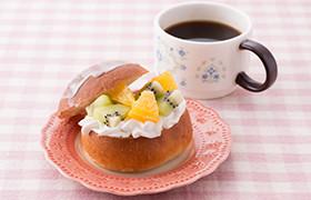 糖質制限♪ホイップ&フルーツサンドパン
