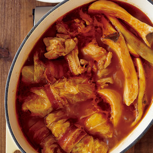 かんたんロールキャベツとなすのトマト鍋