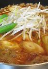 豚バラとモヤシで熱々キムチ鍋