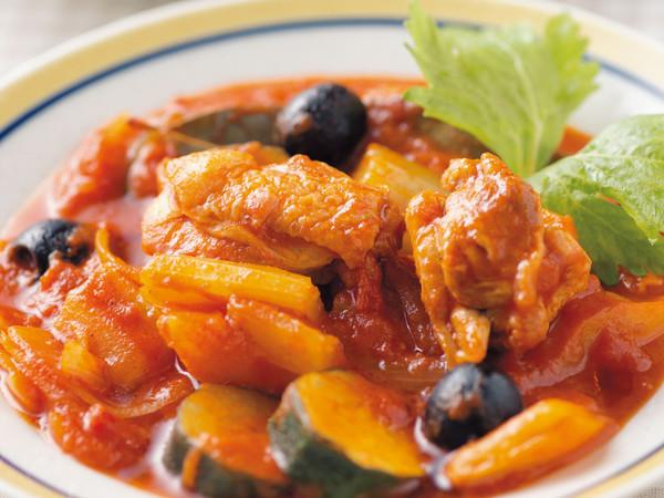 鶏肉と野菜いろいろトマト煮