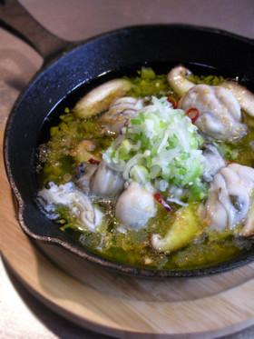 スキレットで作る牡蠣と椎茸のアヒージョ