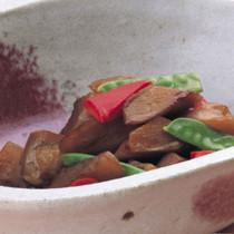 甘辛お煮しめ(れんこん、こんにゃく、ごぼう、鶏肉、にんじん、さやえんどう)