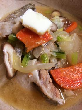 鮭と野菜のにんにくバター味噌汁石狩鍋風