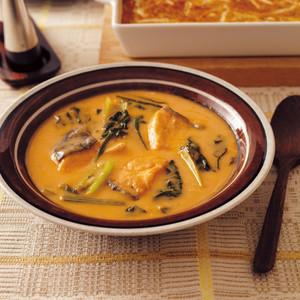 鮭と青菜のトマトクリームシチュー