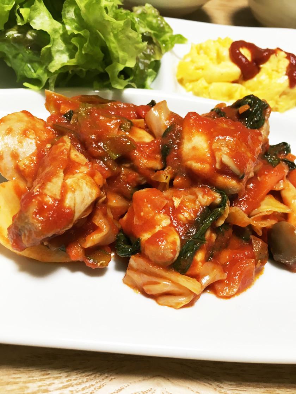 鶏肉とキャベツのトマト煮