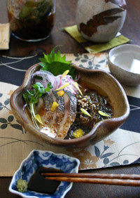 冬の酢の物【もずく酢】炙り〆鯖と。