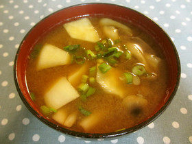 蕪と納豆のお味噌汁