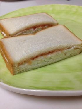 りんごジャムと生クリームのサンド