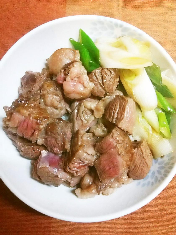 牛肩ロースDEすき焼き風ステーキ丼♪