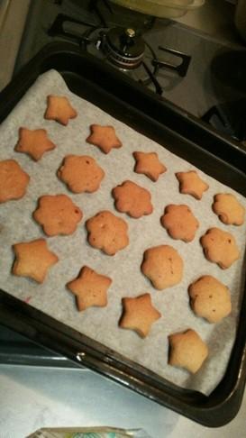 二歳と一緒にバターなしの型抜きクッキー☆