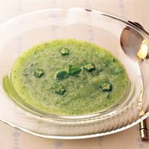 オクラとメロンの冷たいミントスープ