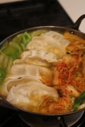 ★冷凍餃子のキムチ鍋(냉동만두김치찌개)