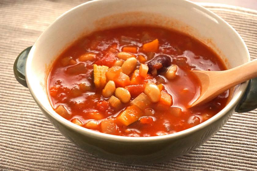 お豆さんと冬野菜たっぷり♪ミネストローネ