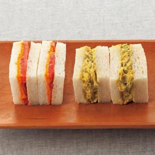 うにとトマトのサンドイッチ(写真左)