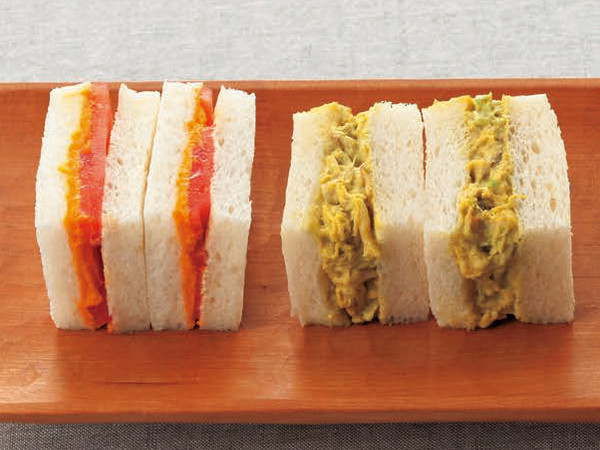 アボカドと帆立のサンドイッチ(写真右)