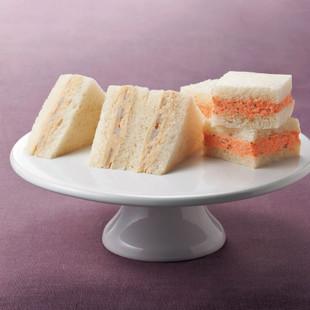 カリフラワーとれんこんのサンドイッチ(写真左)