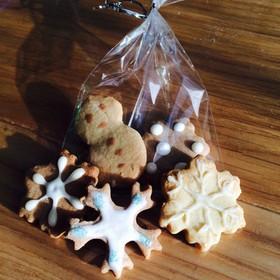 クリスマスツリーに飾る☆型抜きクッキー