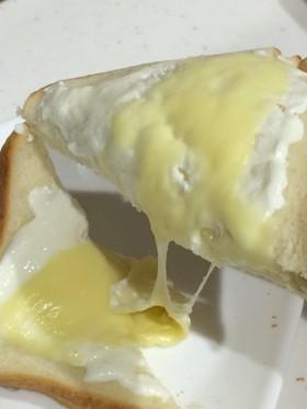 簡単★とろとろヨーグルトチーズトースト