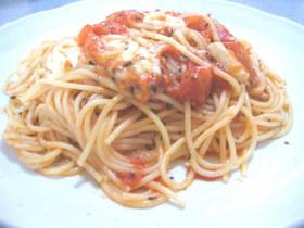 トマトとモッツァレラのパスタ♪