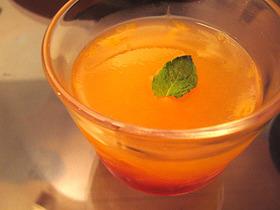 オレンジのゼリー(白ワイン風味)
