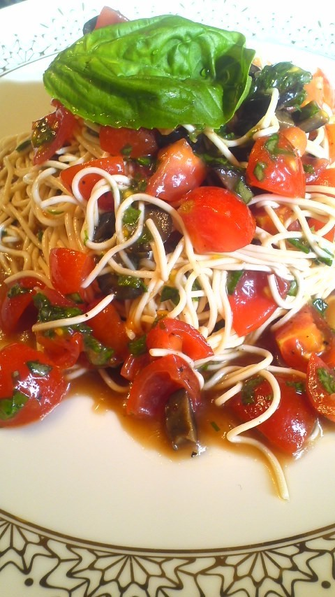 とうふそうめん風でトマトのカッペリーニ