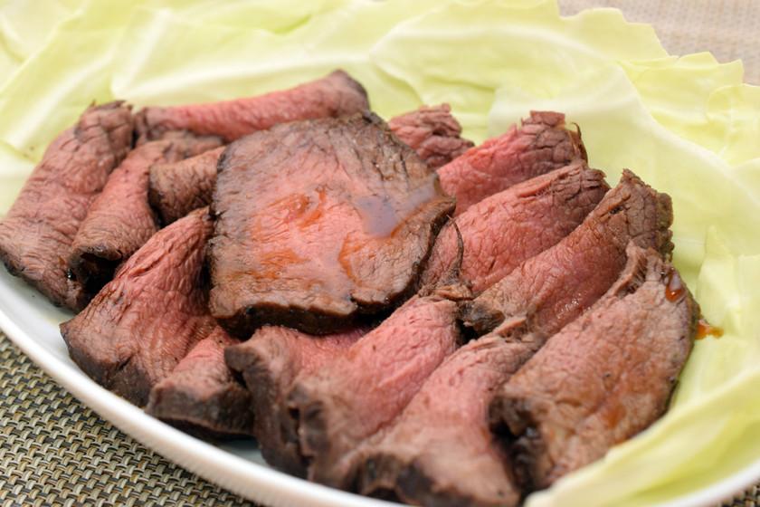 家庭で作るダッチオーブンのローストビーフ