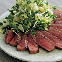 牛肉のたたき薬味おろし添え