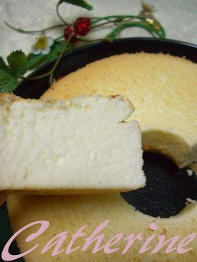 卵白だけで   真っ白なシフォンケーキ