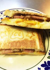 厚切りベーコン卵チーズのホットサンド!