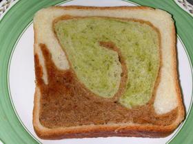 かたつむり食パン!?