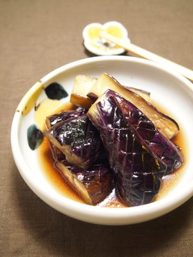 絶品なすの煮びたし 紫色に仕上がります♪