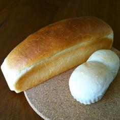 シンプルパン*生クリーム